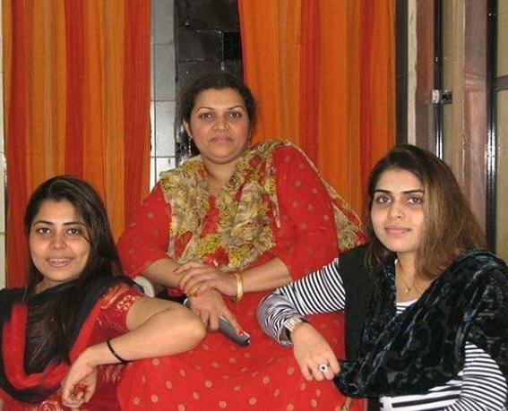 farrah Kader _ family 2